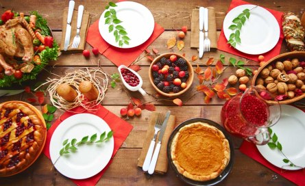 thanksgiving-table-spread